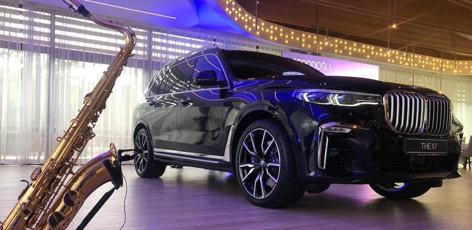 Autocentar Tomić premijerno predstavio najnoviji BMW model THE X7