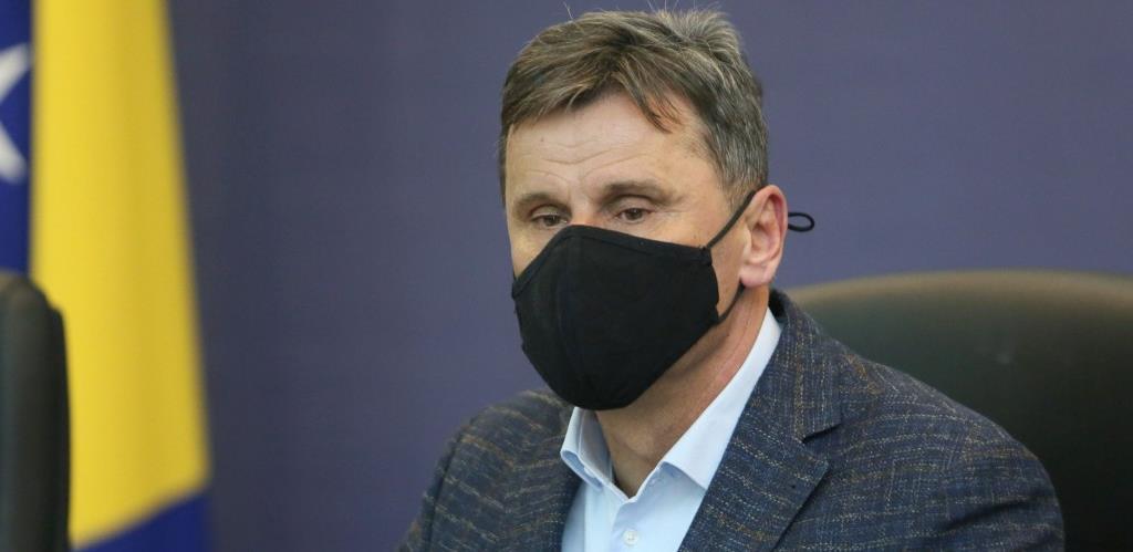 Novalić potvrdio: Ugovor za nabavku vakcina je potpisan u FBiH, čeka se potpis iz Rusije