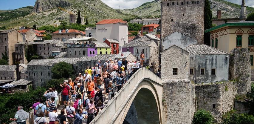 Turizam u Mostaru, uprkos pandemiji, vikendom ne jenjava