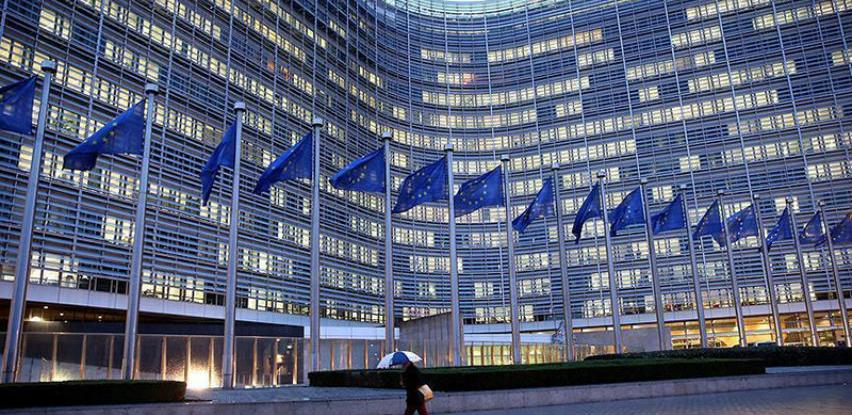 Merkel i Macron bez dogovora o novom šefu Evropske komisije