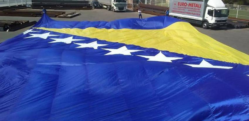 U četvrtak će u Tešnju biti podignuta najveća zastava Bosne i Hercegovine