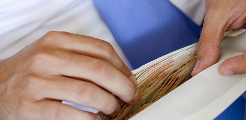 Prosječna neto plaća u FBiH u julu 995 KM, a bruto plaća 1.541 KM