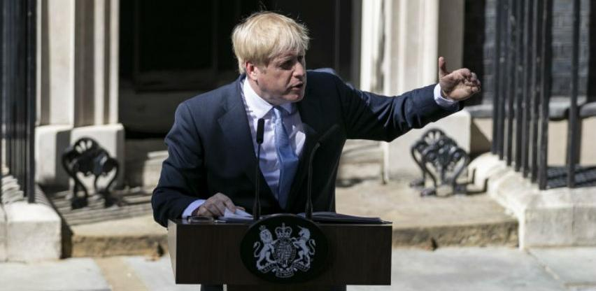 Većina Britanaca smatra da Johnson mora provesti Brexit po svaku cijenu