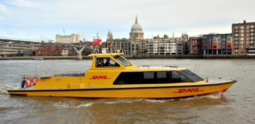 Urbana logistika: DHL brodica na rijeci Temzi zamijenila transfere kamionima