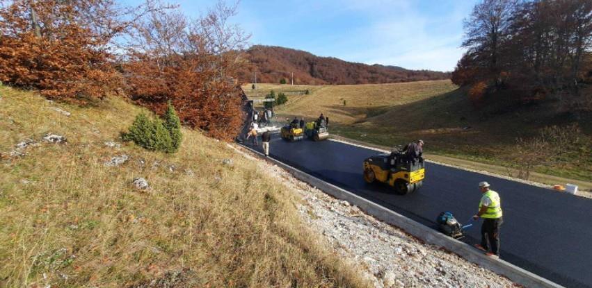 Na području općine Trnovo asfaltiran lokalni put Šakote-Lukavac