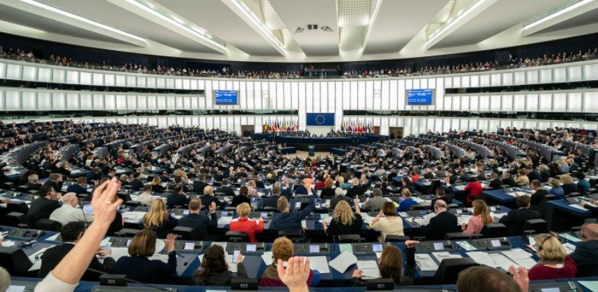 Evropski parlament odobrio dogovor o Brexitu