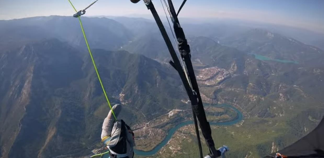 Pogledajte kako izgleda let paraglajderom od Sarajeva do Mostara