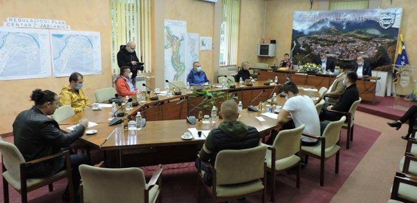 U Jablanici potpisani ugovori sa NVO i omladinskim organizacijama za 2020.