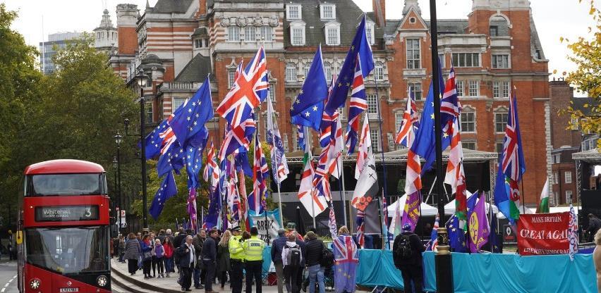 Dan uoči brexita Boris Johnson potpisao ugovor o odnosima s EU-om