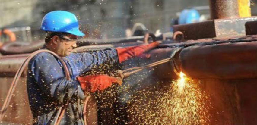 Industrija i zaposlenost rastu, plate stagniraju