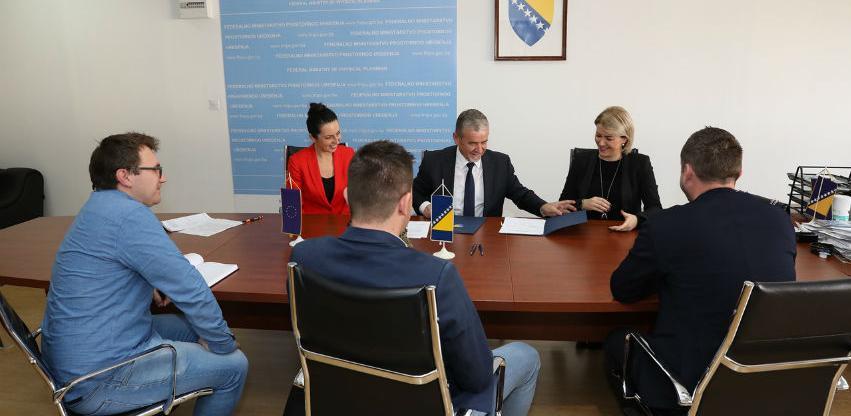 Potpisan ugovor za obnovu tri školska objekta u Kantonu Sarajevo