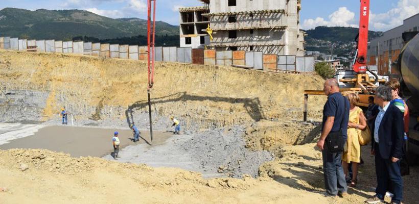 Položena betonska podloga za objekat osnovne škole na Šipu