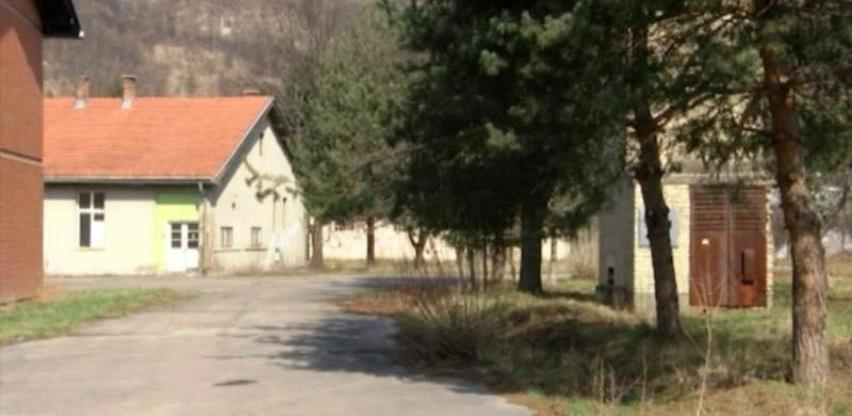 Općina Vogošća ne želi migrante u kasarni u Semizovcu, već privrednu zonu