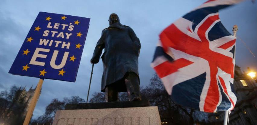 Kraljica odobrila nacrt zakona o zabrani Brexita bez dogovora