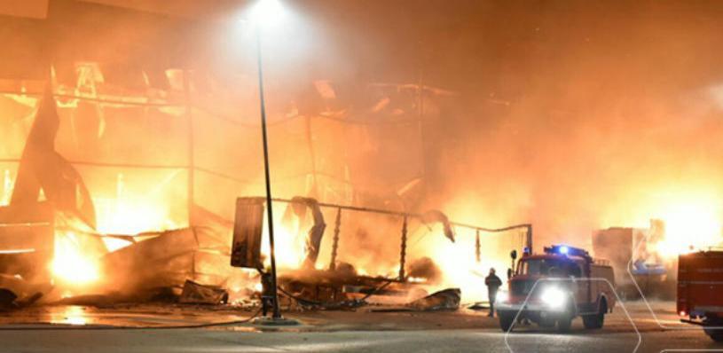 Prema onome što se može vidjeti na mjestu događaja, izgorjela je kompletna montažna zgrada i sve što se u njoj nalazilo. Srećom, u požaru nitko nije ozlijeđen.