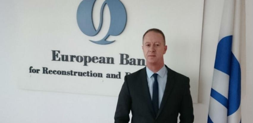 Brown: Pola milijarde eura kredita čeka usvajanje akciza