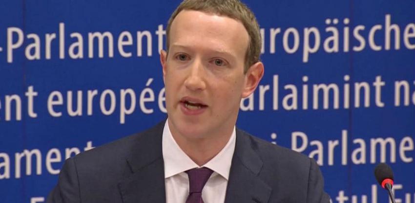 Mark Zuckerberg i Facebook na udaru investitora, spremaju se kolektivne tužbe
