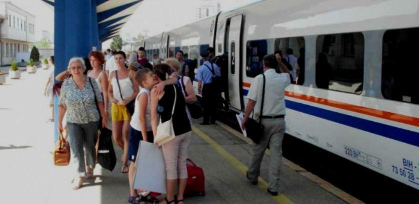 Nakon 26 godina vozom od Bihaća do Sarajeva