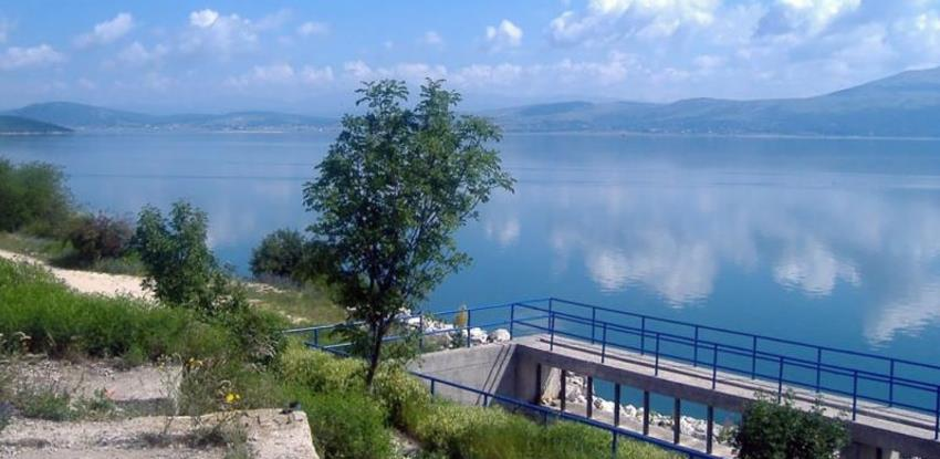 Zastupnici podržali ideju da se Hrvatskoj poveća naknada za korištenje Buškog jezera