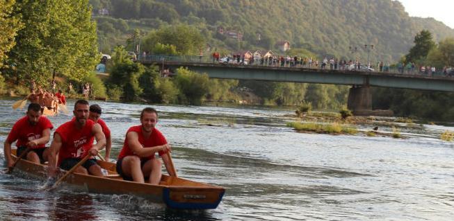 38. Unski lađari u Bosanskoj Krupi 21. jula