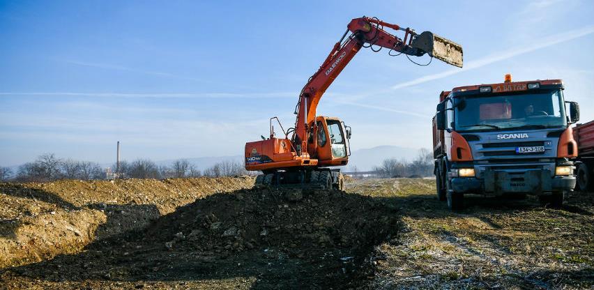 Počela izgradnja novog fudbalskog terena na Banjalučkom polju