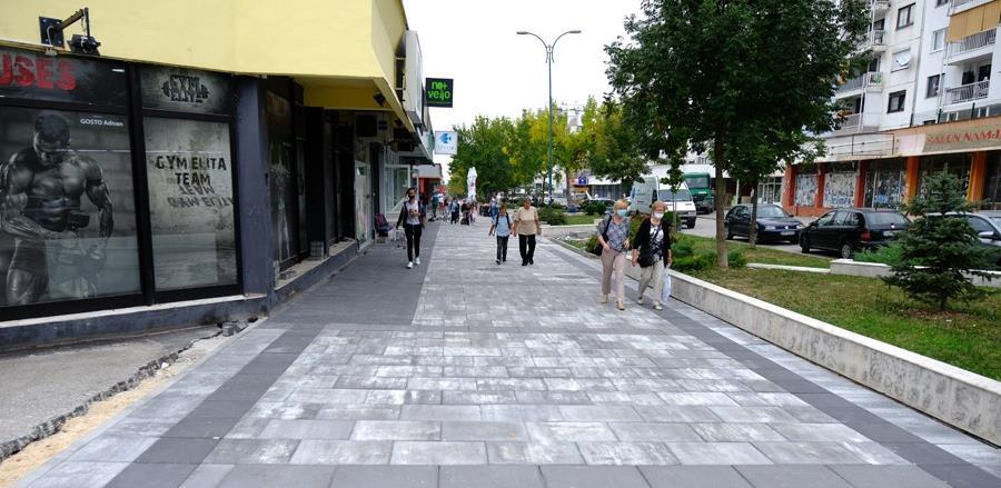Nastavljeno uređenje šetališta: Nove ploče na Bulevaru branilaca Dobrinje