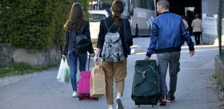 Građani Federacije BiH najviše iseljavali u zemlje regije i Njemačku