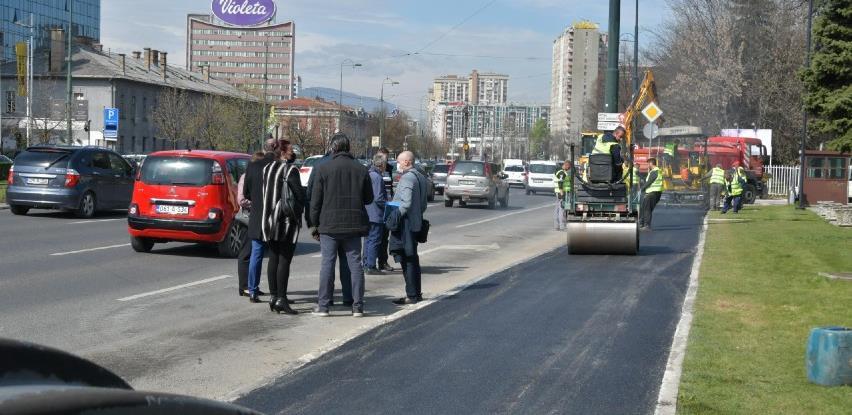 Asfaltiranje pješačke površine od Američke ambasade do ulice Hamdije Čemerlića