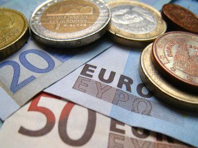 Pad eura - i prilika i opasnost