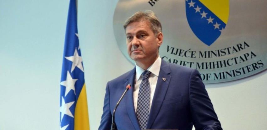 Nakon spora s Hrvatskom: Zvizdić poziva na uvođenje recipročnih mjera i ljetovanje u BiH