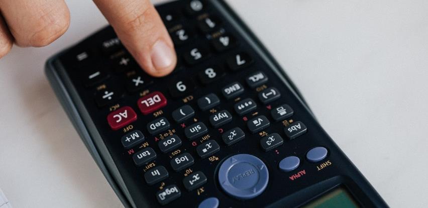 Lani bruto premija u BiH 756,44 miliona KM, zabilježen pad od 0,83 posto