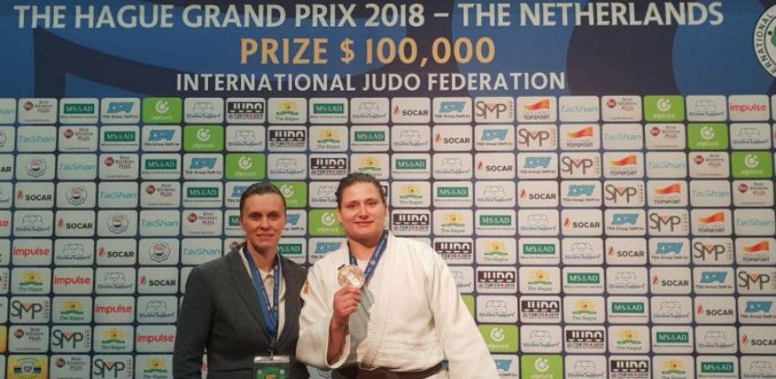 Larisa Cerić osvojila bronzanu medalju na Grand Prix u Den Hagu