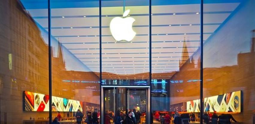 Direktor Applea prodao većinu dionica za 750 miliona dolara