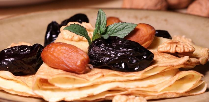 Napravite ukusne palačinke sa suhim voćem