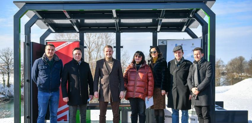 """U Banjaluci otvoreno prvo """"pametno autobusko stajalište"""""""