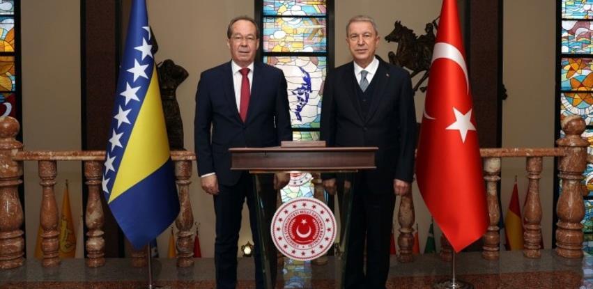 Sporazumom s Vladom Turske osigurano 45 miliona KM za modernizaciju OSBiH