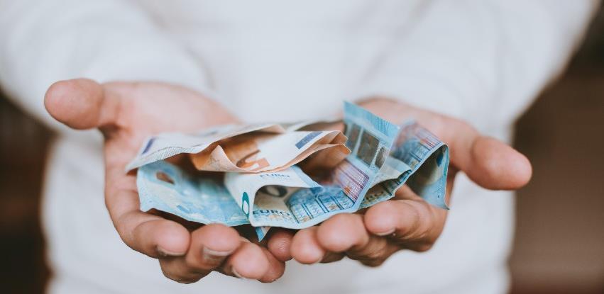 Koliko je drugi talas korone dosad koštao Sloveniju