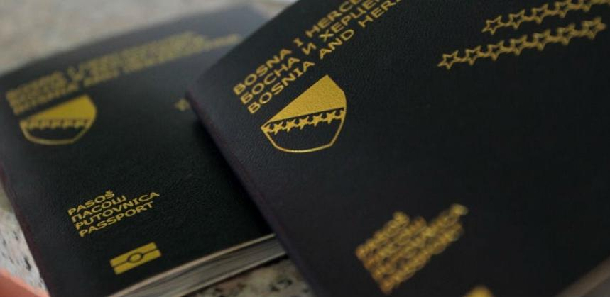 Raspisan tender za nabavku pasoških knjižica: Trka za posao od 25 mil. KM