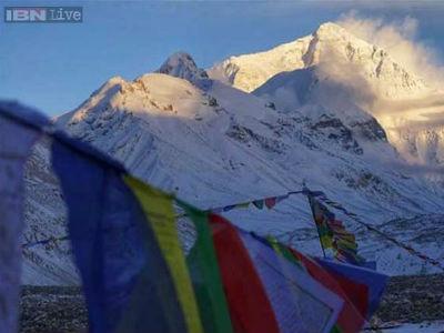 Mont Everest niži poslije zemljotresa u Nepalu