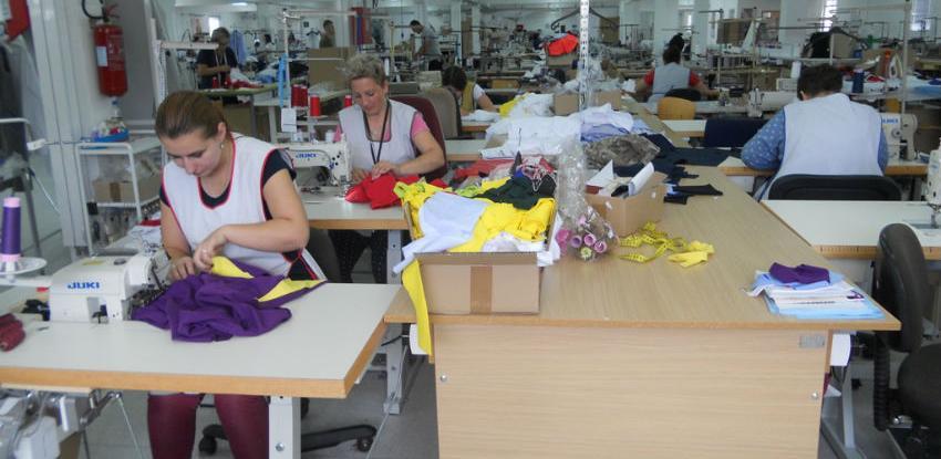 Maglajska modna industrija šije 50.000 košulja za italijanske karabinjere