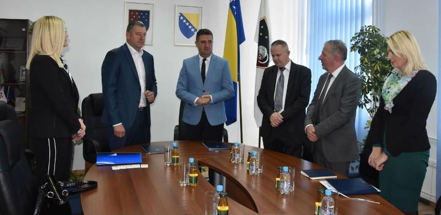 Bolje povezivanje: Vlada KS i Opština Istočni Stari Grad ozvaničili saradnju