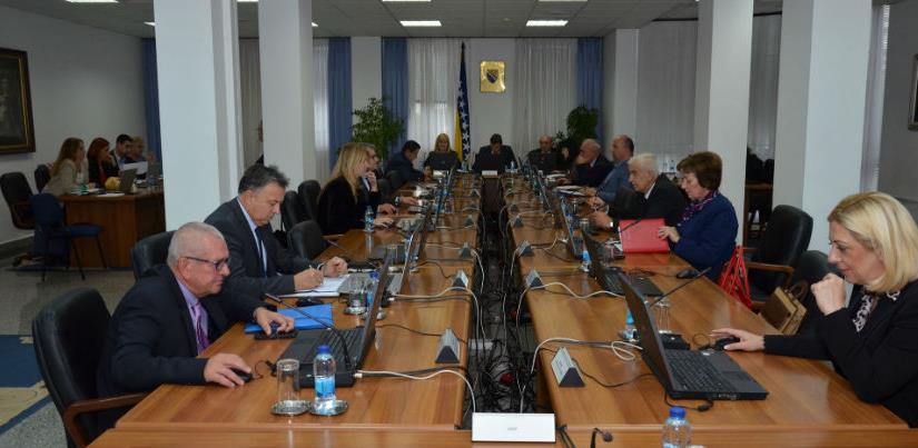 Saglasnost na reforme: Entiteti do 2022. obećavaju manje poreze i veće plate