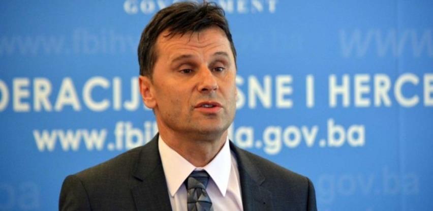 Novalić: Nabavljamo 1,5 miliona vakcina kroz tri kanala, uskoro ugovori