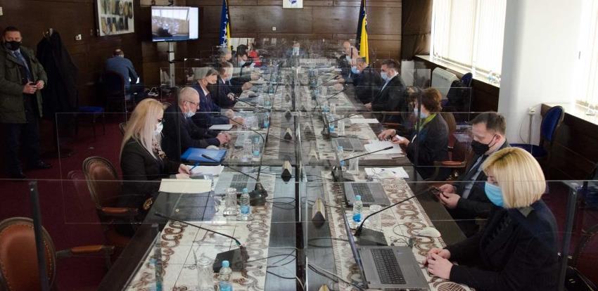 Vlada FBiH: Sačiniti program o regresiranju kamata za izvoznike i velika preduzeća