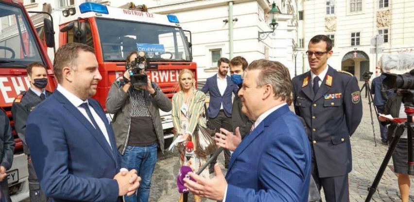 Grad Beč donirao vatrogasna vozila Sarajevu