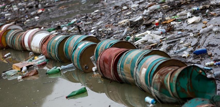 Hitno preduzeti korake na rješavanju problema plutajućeg otpada