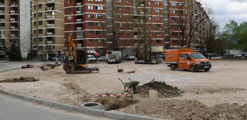 U naselju Dobrinja 5 započeli radovi na izgradnji parkinga