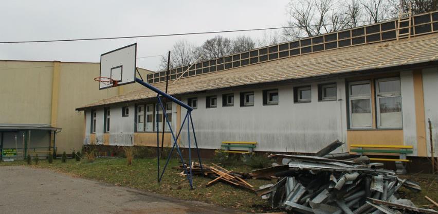 Ćosić-promex vrši rekonstrukciju krovišta Osnovne škole u Usori