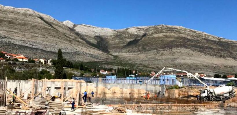 Zatvoreni bazen u Trebinju dobija prve obrise