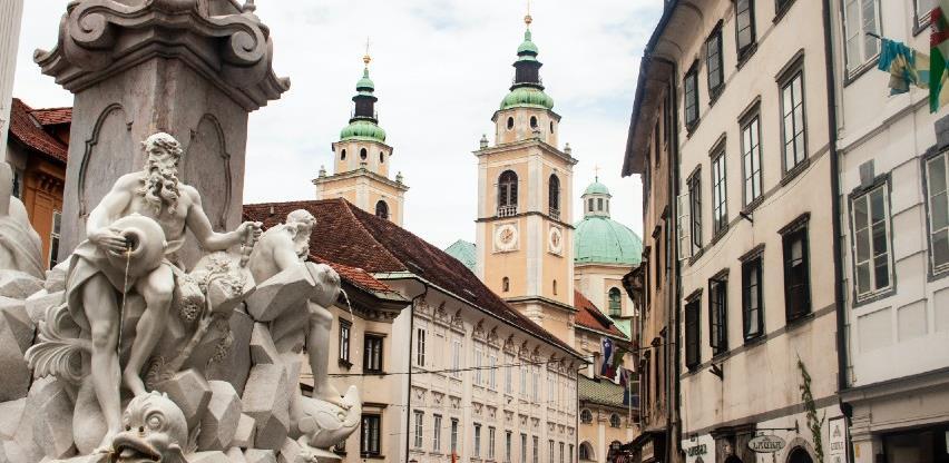 U Sloveniji od danas zatvaranje trgovačkih centara, restorana, hotela, vrtića